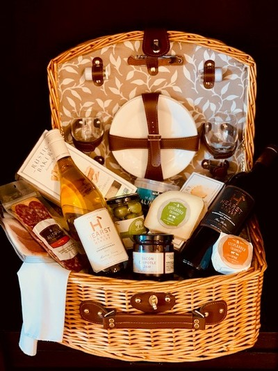 Ultimate Picnic Basket